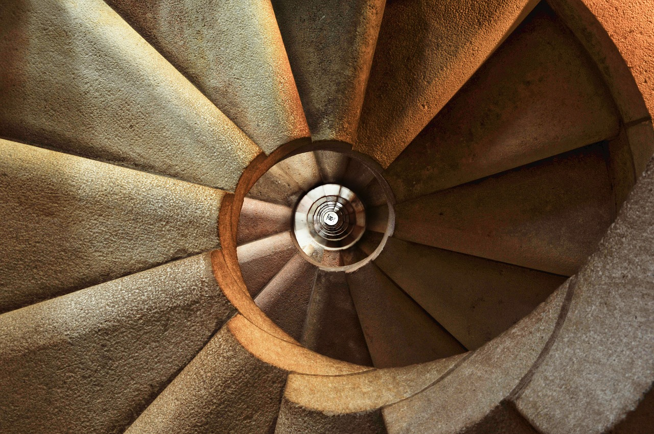 staircase-600468_1280
