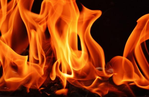 flame-1444572_1920